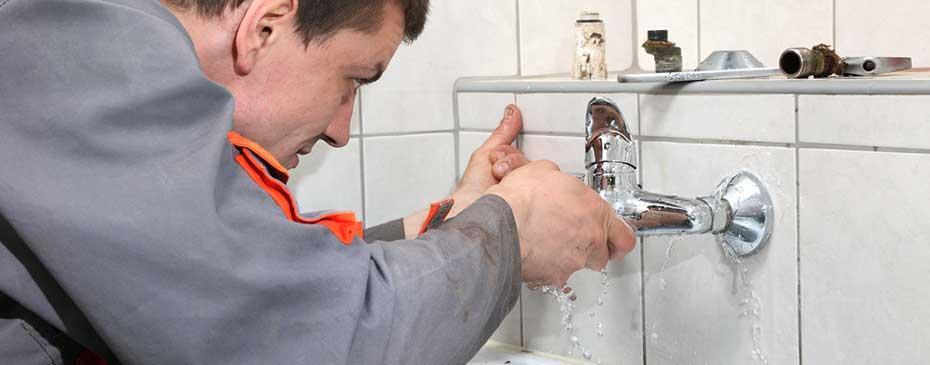 plumbing technician emergency repair